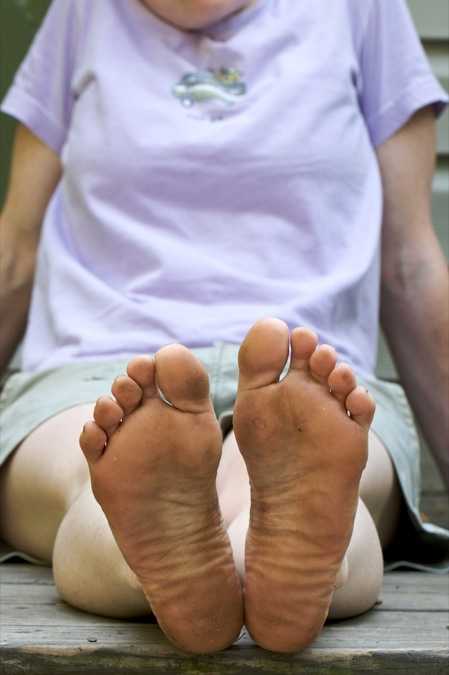 dirty_bare_feet