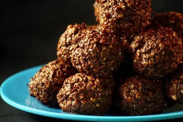 Bolitas saludables de chocolate y palta