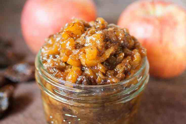 Homemade Apple and Date Chutney