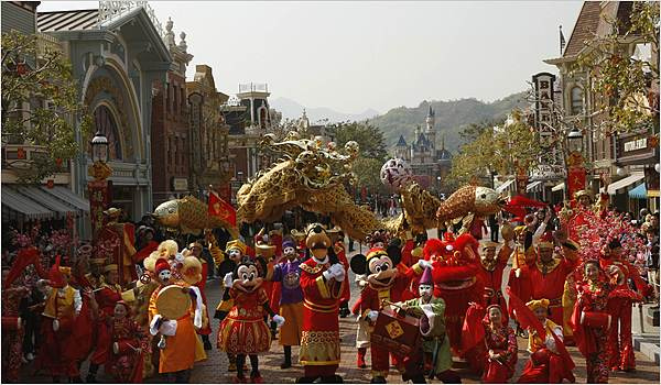 China Approves Disney Theme Park in Shanghai