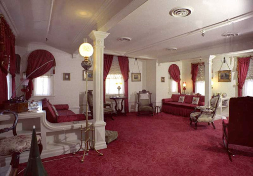 Disney pic of the day – Walt's Apartment