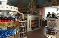 Disney Souvenir Shopping with Kids