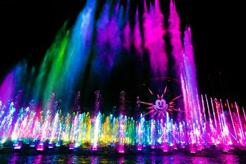 Disneyland's 'World of Color' now offering Dining Packages
