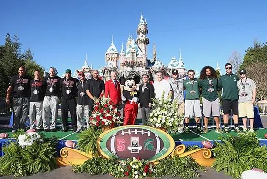 Disneyland Welcomes Rose Bowl Teams