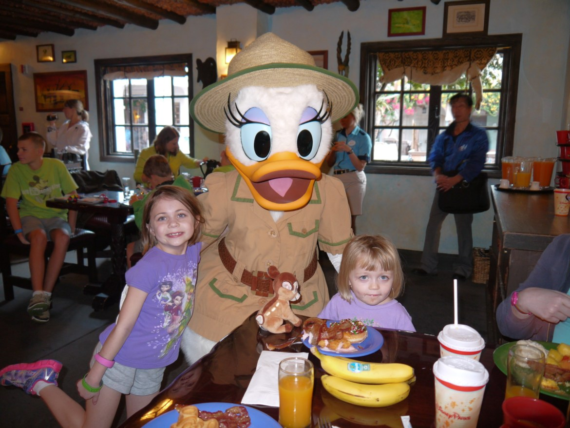 Disney Quick Tips – Try Character Dining