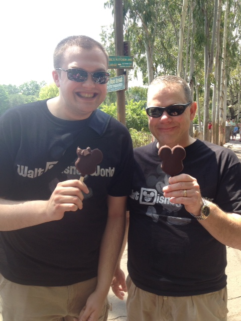 "Top 5 Walt Disney World ""Must Try"" Sweet Snacks"