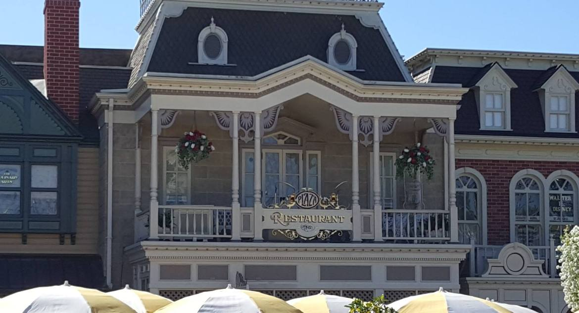 Former Disney World Waitress is suing Disney over lost wages