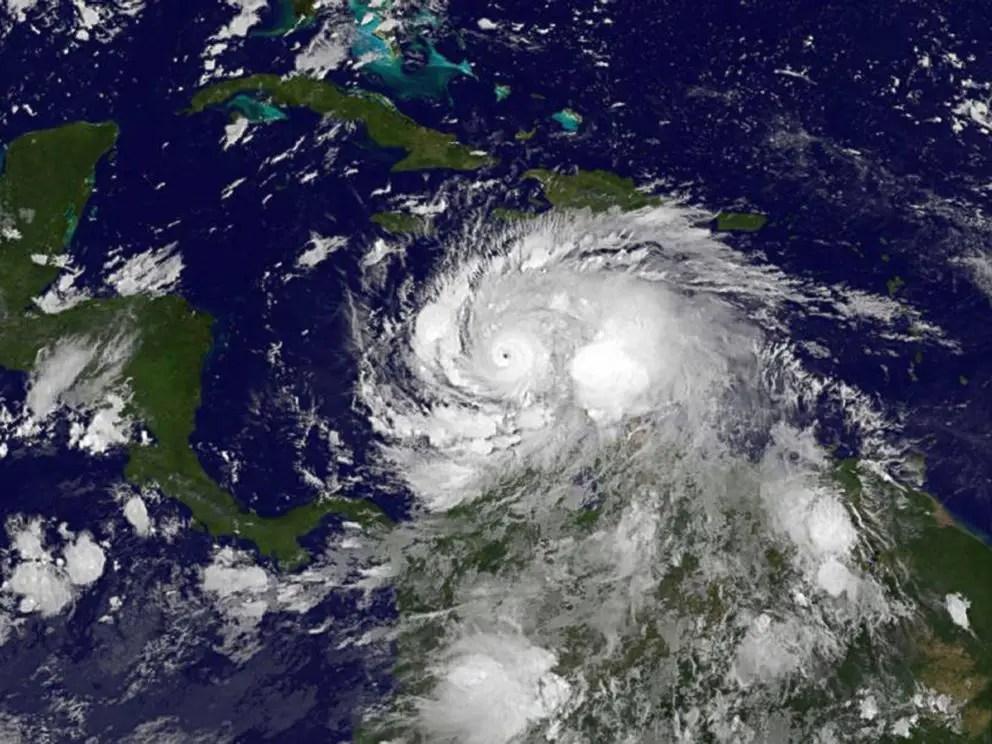 Wednesday Evening Hurricane Matthew Updates/Closings