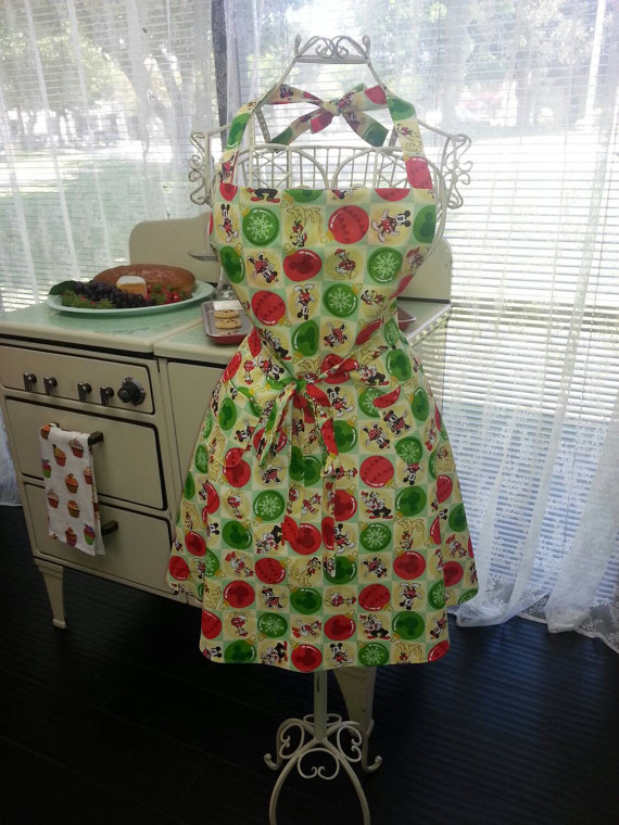 Fabulous Christmas Disney Apron to Add Magic to Baking and Cooking