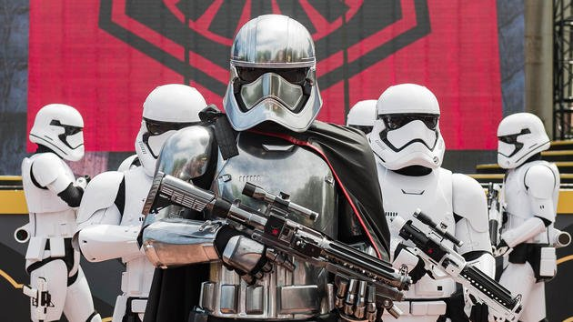 New Star Wars Guided Tour at Hollywood Studios Begins January 2