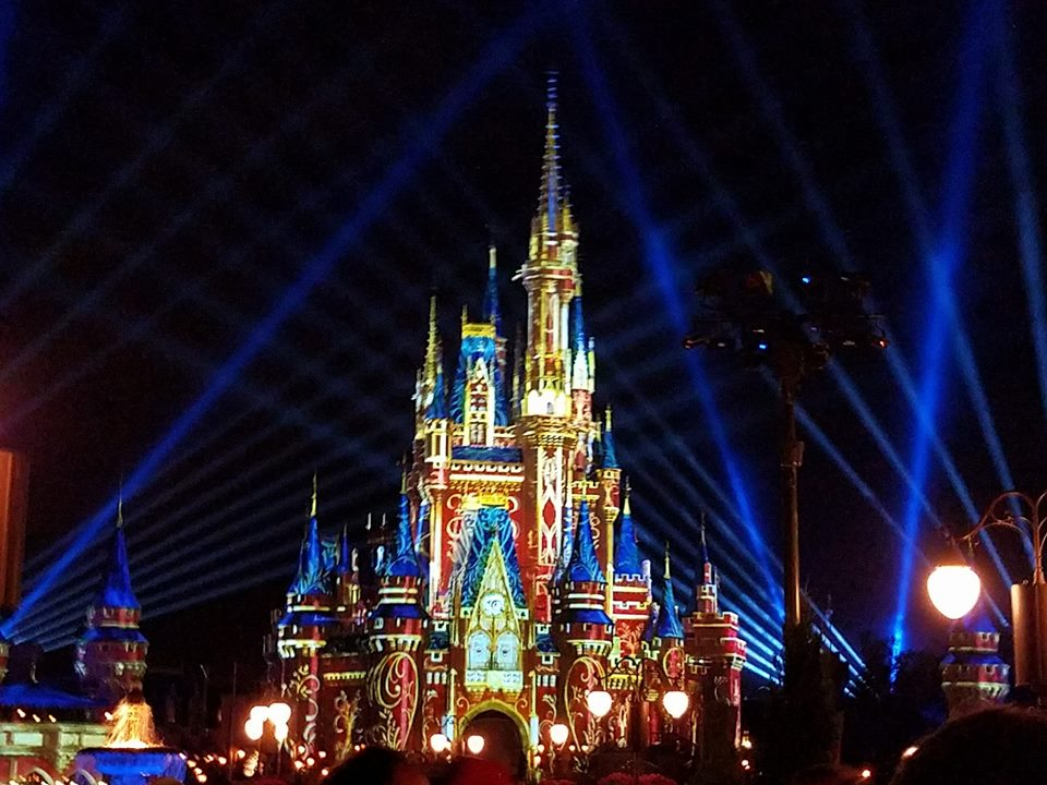 "Magic Kingdom Debuts New Nighttime Show ""Happily Ever After"""