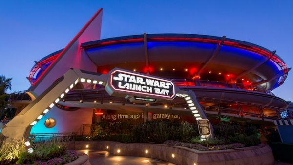 Complimentary Star Wars Buttons Available at Disneyland October 7