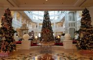 Holiday Photo Tour of 13 Walt Disney World Resorts