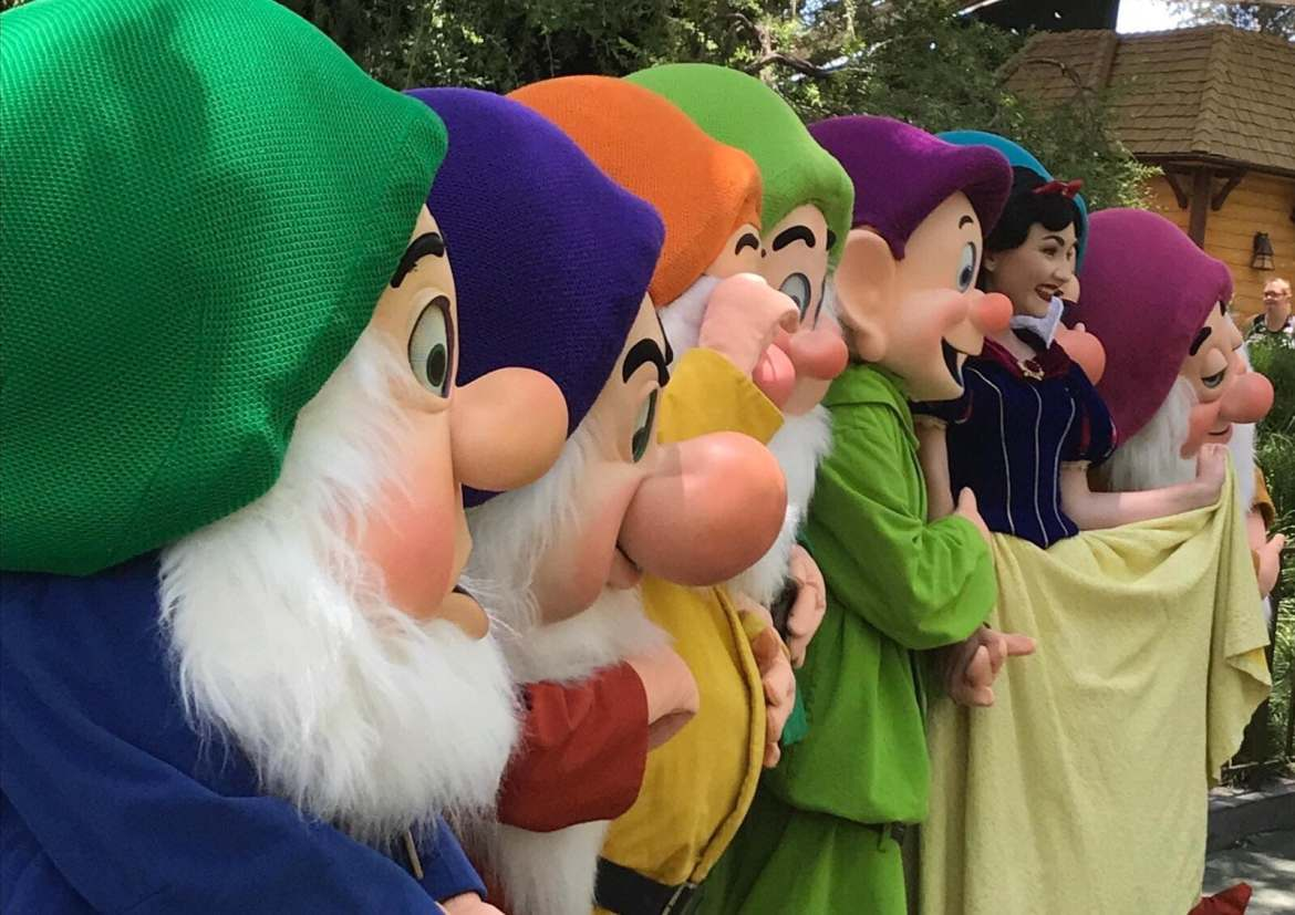 Snow White and The Seven Dwarfs Make Rare Appearance at Disneyland Resort