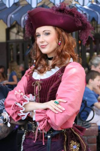 Karen Gillan is being eyed as lead for upcoming Pirates of the Caribbean Movie 1