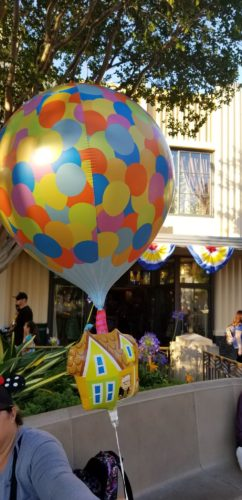 You Can Even See Mr Fredrickson And Russell On The Front Steps Of Fredricksons House Attached To Famous Balloons