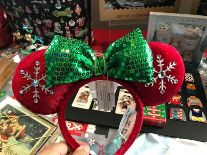 First Look At The 2018 Disney Holiday Merchandise 4