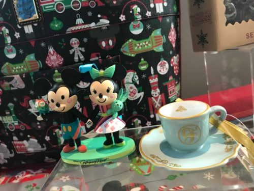 First Look At The 2018 Disney Holiday Merchandise 9
