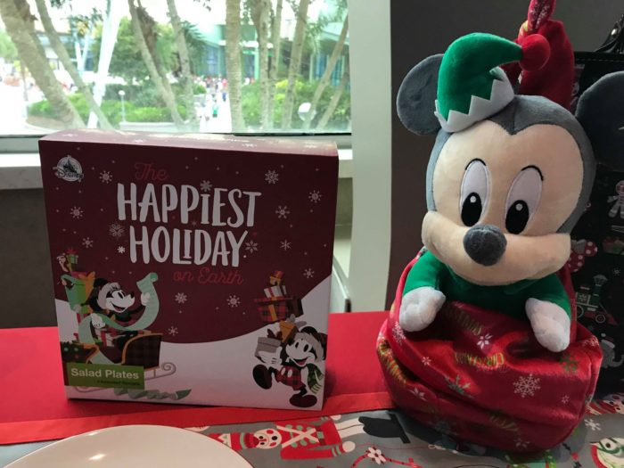First Look At The 2018 Disney Holiday Merchandise 18
