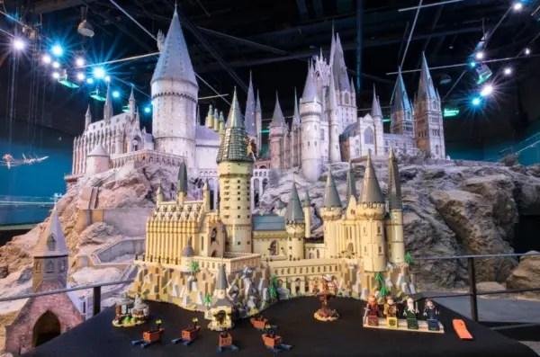 Incredible LEGO Harry Potter Hogwarts Castle 2
