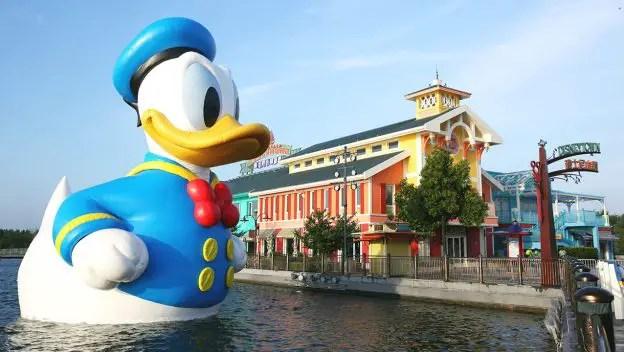 36 Foot Tall Donald Duck at Shanghai's Disney Town 2