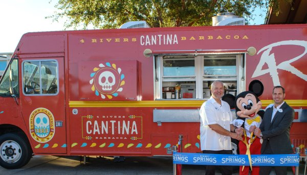 Review: 4Rivers Cantina Barbacoa Food Truck in Disney Springs 2