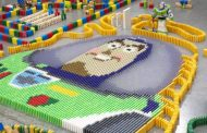 VIDEO: 32,000-Piece Domino Set Celebrates Toy Story Land