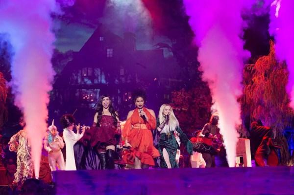 Freeform Celebrates Hocus Pocus 25th Anniversary Halloween Bash 4