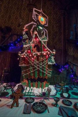 Disneyland Haunted Mansion Gingerbread