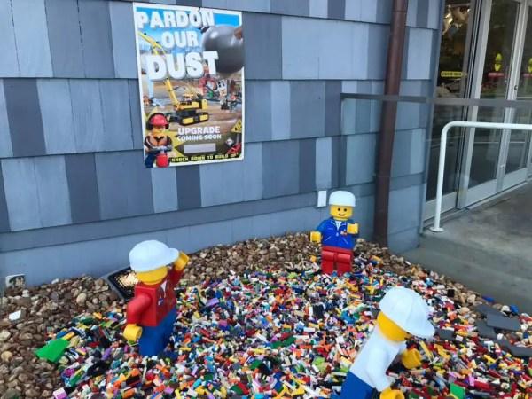 Construction Lego at Disney Springs