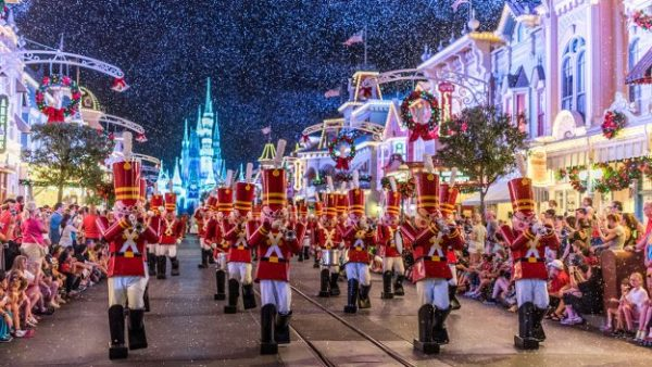 The Ultimate Christmastime Package Arrives for the Holidays at Disney World