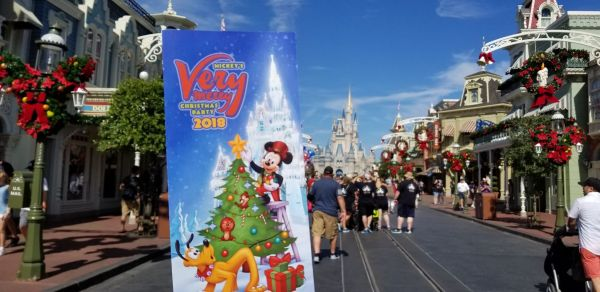 Mickey's Very Merry Christmas Party Maps