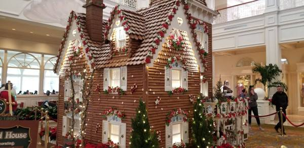 The Gingerbread House at the Grand Floridian is Complete