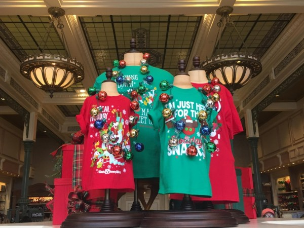 Magic Kingdom Holiday Decor 17