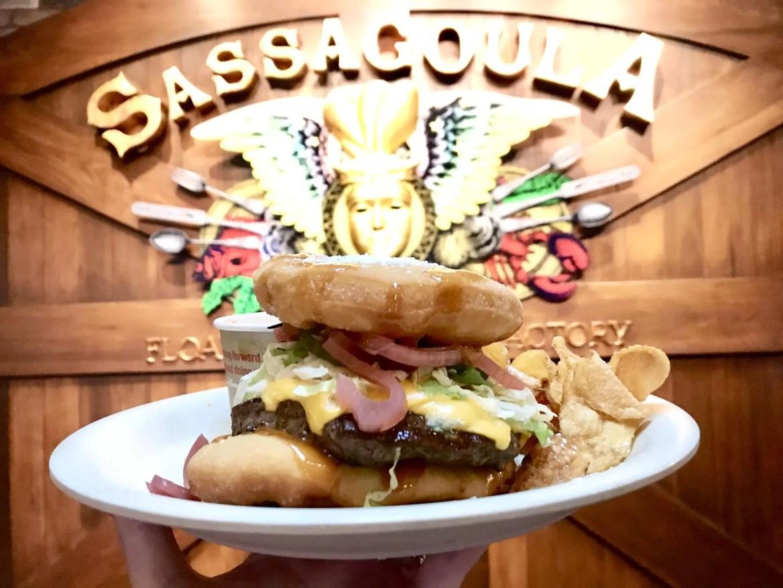 Beignet Burger is Divine – Review