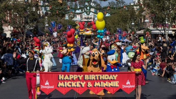 Mickey's 90th Birthday Around the World 4