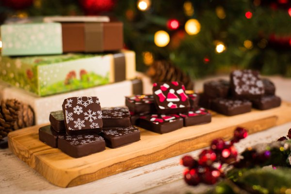 Disney Springs Sweets, Treats, and Savory Dishes Around For the Holidays 4