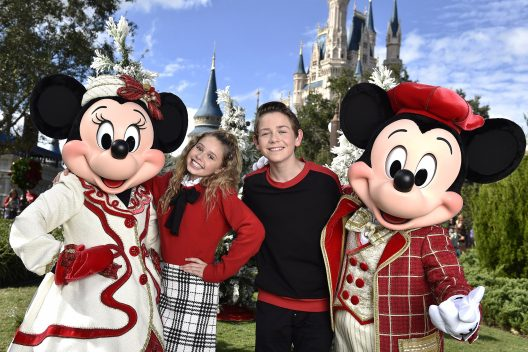 25 Days of Christmas Holiday Party from Disney Parks on Disney Channel Tonight 7