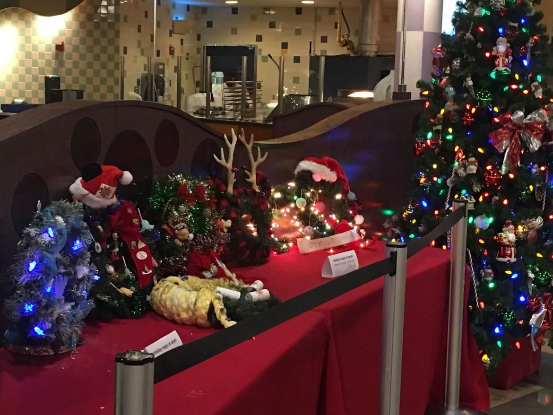 Disney Resorts Wreath Decorating Contest – Cast Member Creations