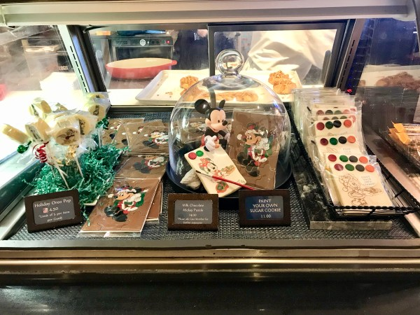Yacht & Beach Club Resorts Celebrate the Holiday Season with New Treats