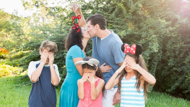 Jolly Magic Shots at Walt Disney World – A Perfect Holiday Souvenir