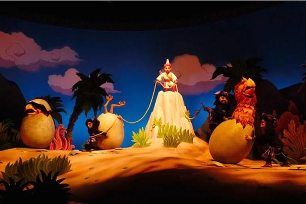 "Sindbad and Chandu Teach ""Kindness"" and ""Courage"" at Disneyland Tokyo 2"