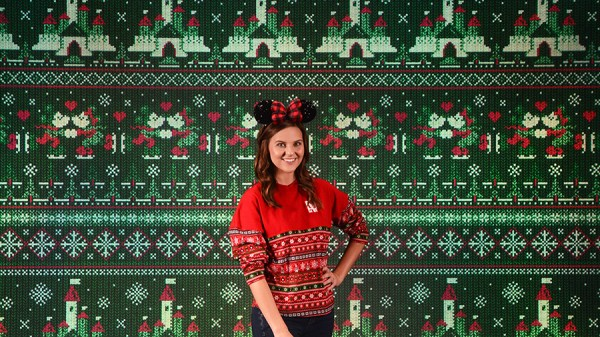 Disney Springs Making Your Annual Christmas Pics A Stress Free Experience
