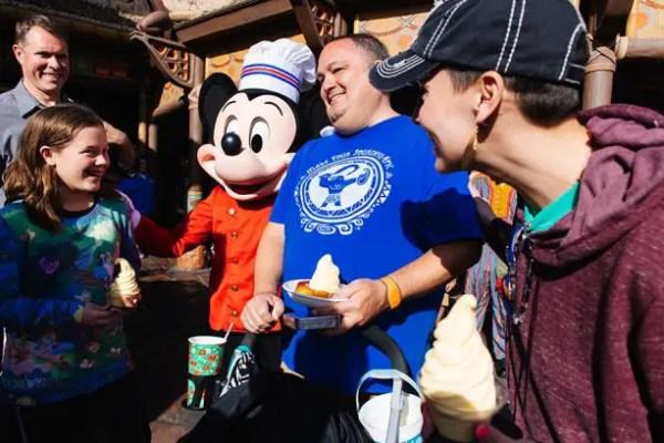 Disney Mobile Ordering Celebrates 1 Million Orders 2