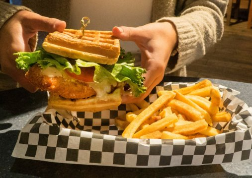 Universal Hollywood Must-Try Menu Items for All Food Fans!