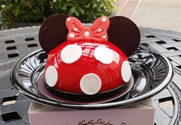 """NEW! Minnie Mousse """"Rock the Dots"""" Miniature Character Cake At Amorette's!"""
