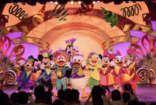"Tokyo Disneyland Celebrates Daisy Duck at ""Let's Party Gras!"" 1"