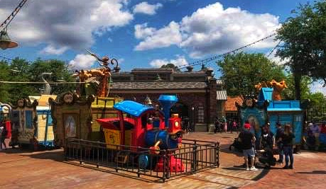 Casey Jr. Splash & Soak