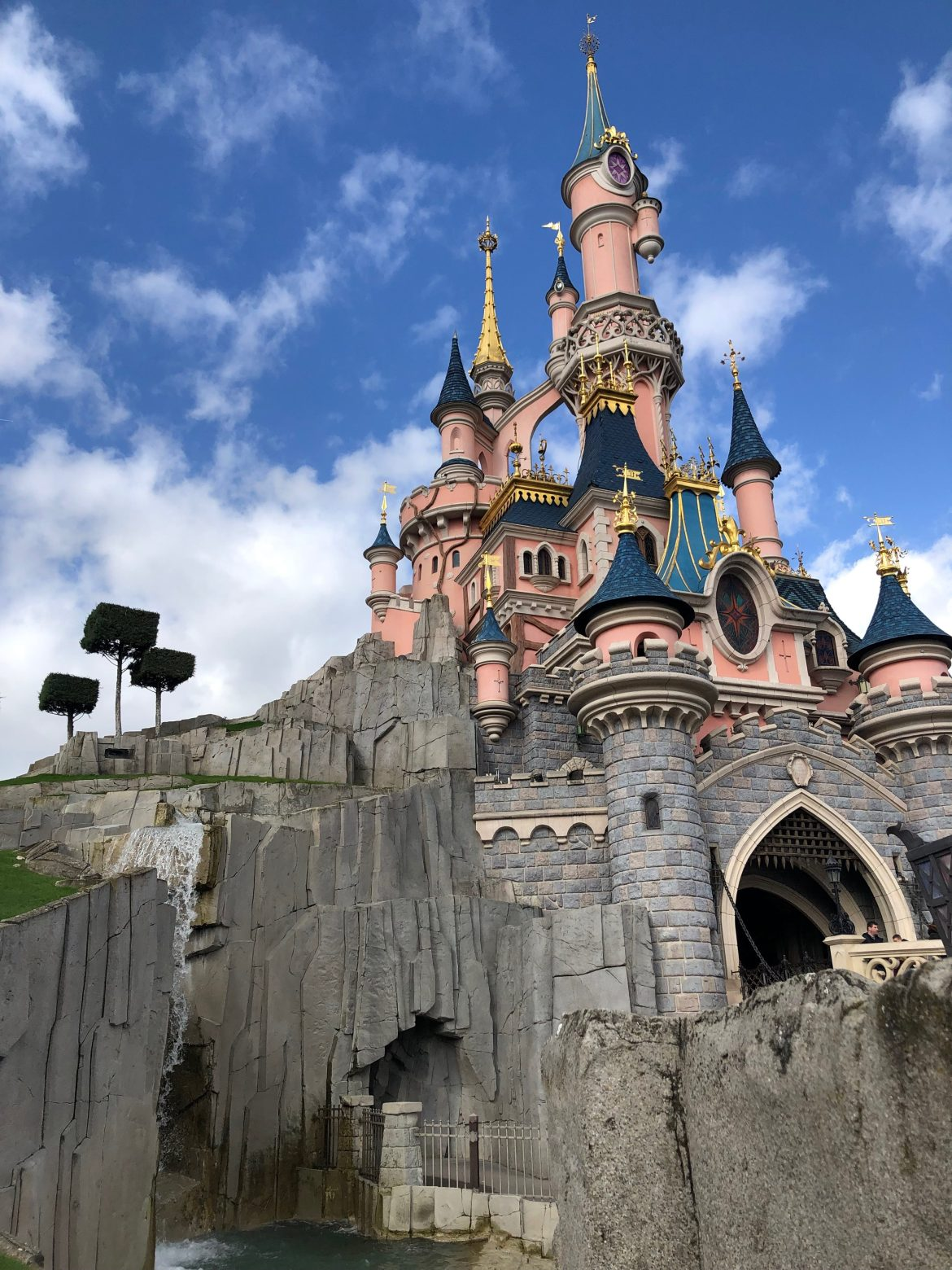 Disneyland Paris Reducing their Use of Plastics!