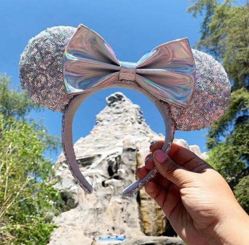 2 New Glittery Minnie Ears And A Spirit Jersey Sparkling In For Summer 2